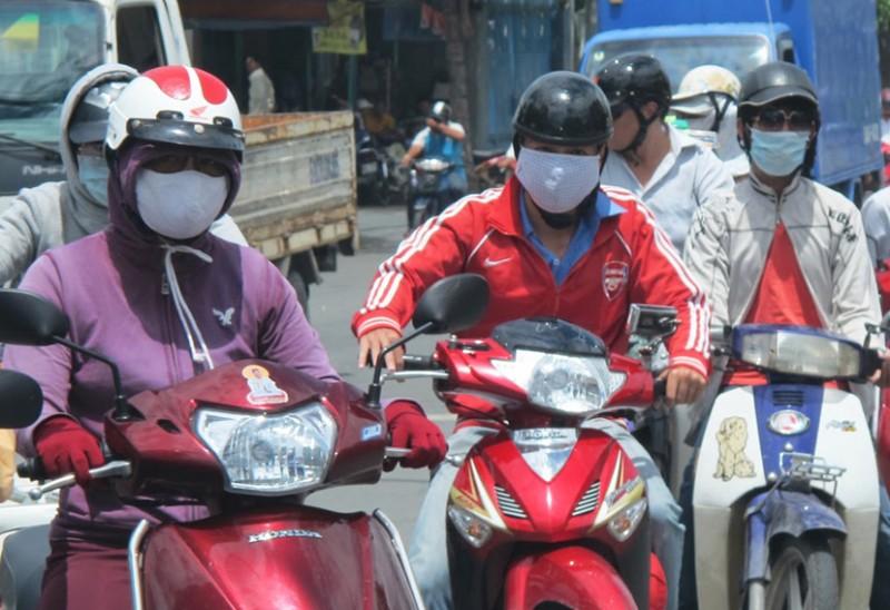 Hindari Serangan Penyakit ISFA, Pemotor Wajib Gunakan Masker